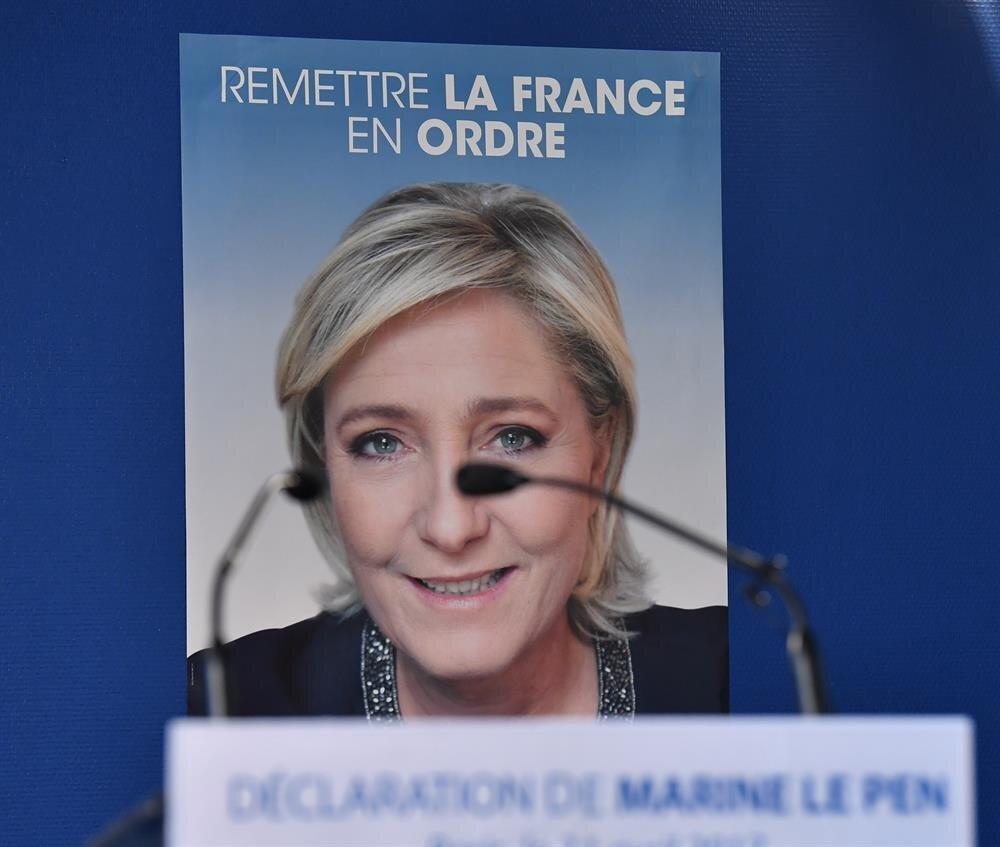 Aşırı sağcı Le Pen, AB'den ayrılmayı ve göçmen yasağını öne çıkarıyor.