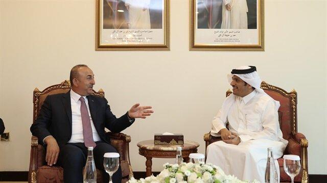 جاويش أوغلو يبحث مع نظيره القطري بالدوحة العلاقات الثنائية وقضايا المنطقة