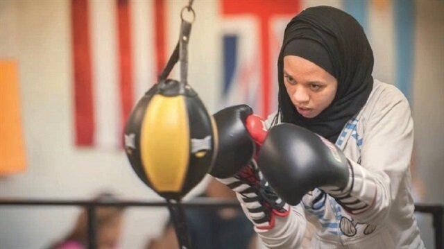 ABD'nin Minnesota eyaletinde 16 yaşındaki sporcu Amaiya Zafar'ın başörtüsüyle boks  müsabakalarına katılmasına izin verilmişti.