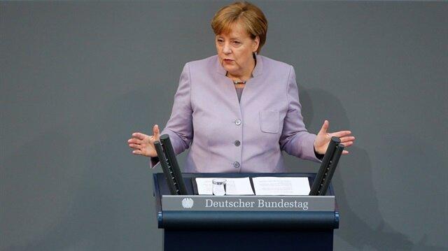 Merkel urges 'constructive dialogue' with Turkey