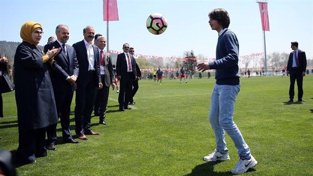 Yıldırım Demirören Türkiye'nin 'Messi'sini tanıttı