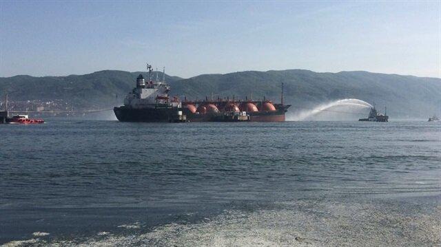 Kocaeli'nde LPG yüklü tankerde korkutan yangın