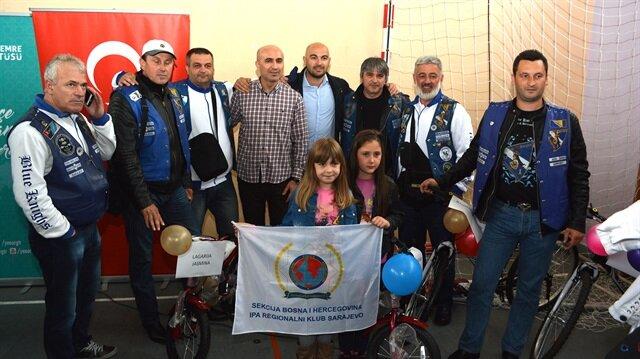 هيئة الإغاثة التركية تهدي 80 دراجة هوائية للأيتام في البوسنة