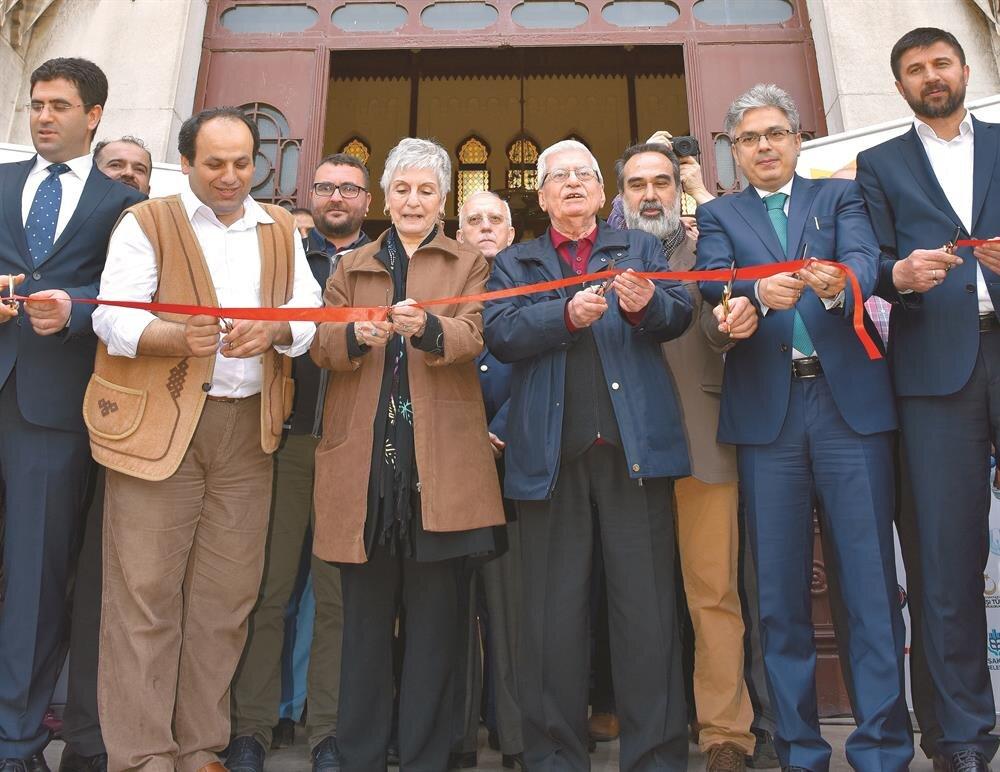 Fuarın açılışını Türkiye Dergiler Birliği Başkanı Asım Gültekin, Mehmet Akif Ersoy'un torunu Selma Argon ve onur konuğu Rasim Özdenören yaptı.