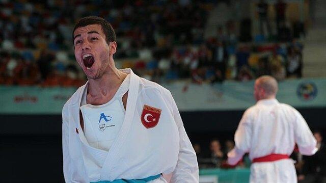 Burak Uygur 67 kiloda Rus rakibini mağlup ederek altın madalyanın sahibi oldu.