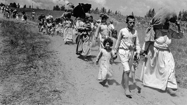 İsrail, 15 Mayıs 1948'de Filistin topraklarında bağımsızlığını ilan etti, Filistin halkını göçe zorladı.