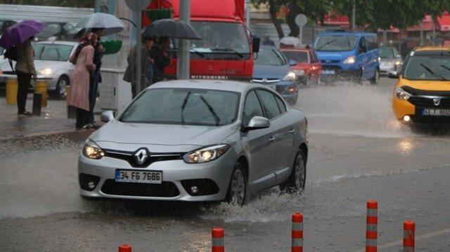 Kütahya'da sağanak nedeniyle, çok sayıda ev ve iş yerinde su baskınları meydana geldi. İşte 5 günlük  Kütahya hava durumu...