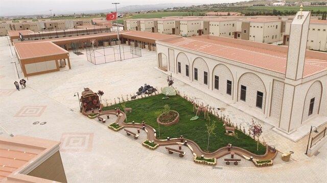 """İHH Suriyeli yetimler için """"özel köy"""" kurdu"""