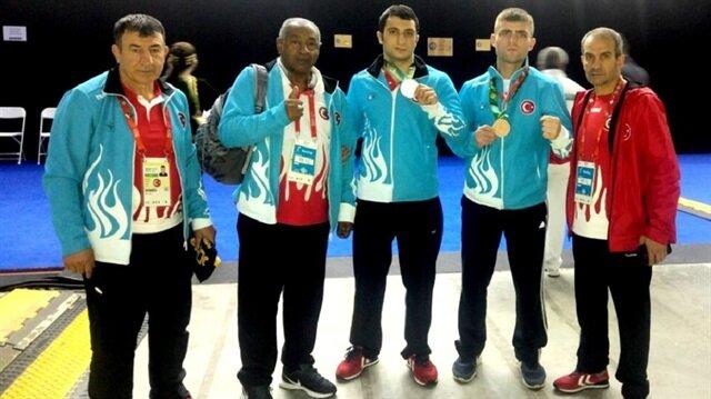 91 kg sporcumuz Burak Aksın gümüş, 81 kg temsilcimiz Cem Karlıdağ ise bronz madalya kazandı.