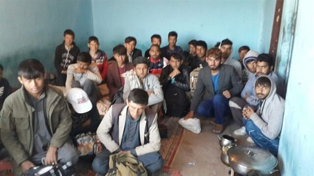 Ağrı merkezli 7 ilde göçmen kaçakçılarına darbe!