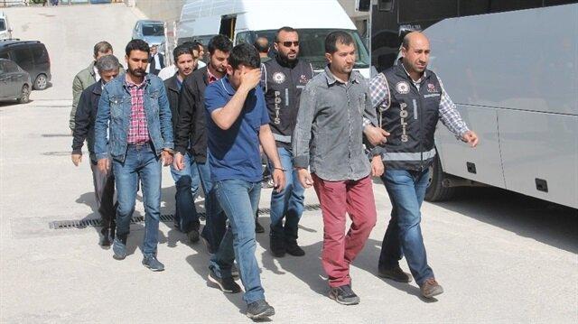 Yerel Haber: Elazığ'da Fetullahçı Terör Örgütü ve Paralel Devlet Yapılanması (FETÖ/PDY) soruşturması kapsamında gözaltına alınan 16 şüphelinden 7'si tutuklandı.