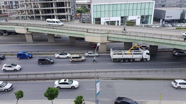İstanbul'da kamyon trafiği felç etti
