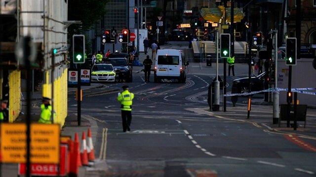 İngiltere'nin Manchester kentinde bir konser sırasında terör saldırısı düzenlendi, 22 kişi hayatını kaybetti.