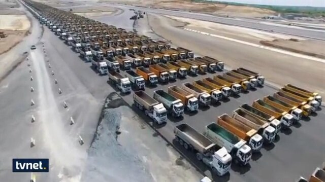 1453 trucks in Istanbul attempt to break world record