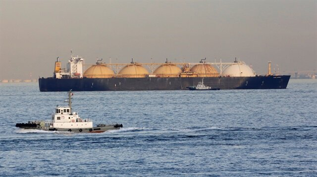 Qatar Gulf row roils LNG market, Shell tanker diverted