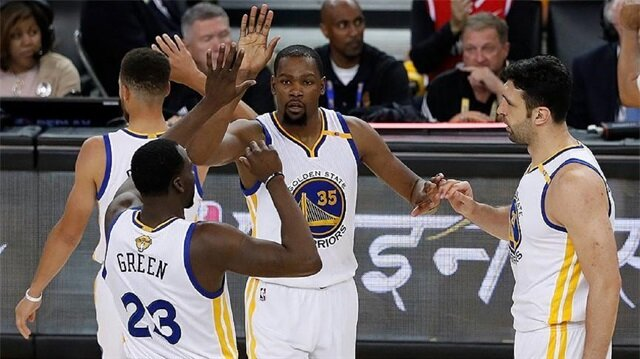 Warriors beat Cavs to take NBA title