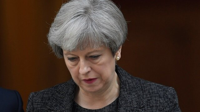 Sinn Fein to meet Theresa May over DUP deal concerns