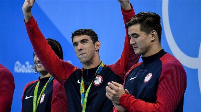 Michael Phelps, şov amaçlı bir köpekbalığı ile yarışacak.