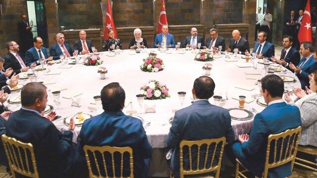 Cumhurbaşkanı Recep Tayyip Erdoğan, medya temsilcileriyle iftarda buluştu
