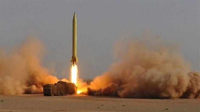 İran füzelerini denedi