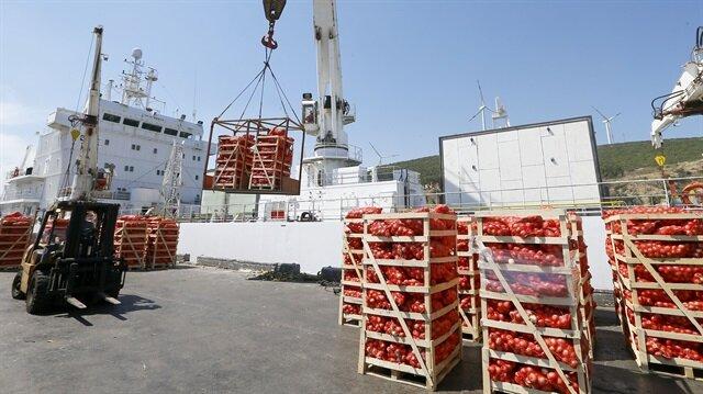 Katar'a gemiyle ilk gıda sevkiyatı başladı