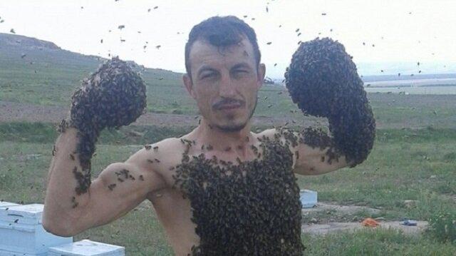 Arıcı İsa Süzer, arılar kendisini soksa da etkilenmediğini  söyledi.