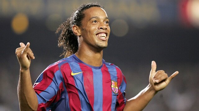 Eight worldwide footballers including Ronaldinho reach Islamabad