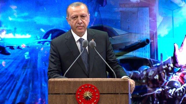 Erdoğan kürsüye bu türkü eşliğinde çıktı