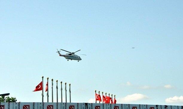 هكذا ألقى المواطنين التحية على الطائرة التي تحمل أردوغان