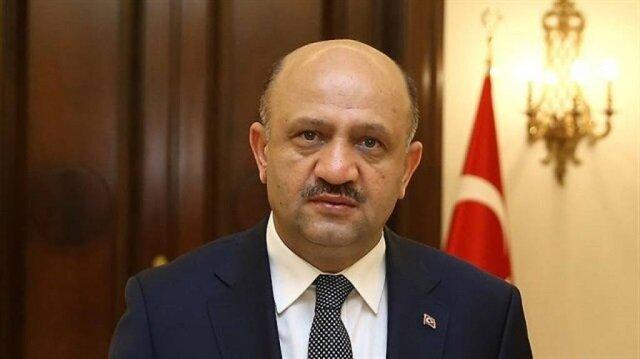 وزير الدفاع التركي يعلن توقيع مذكرة تفاهم لتطوير نظام دفاع جوي وطني