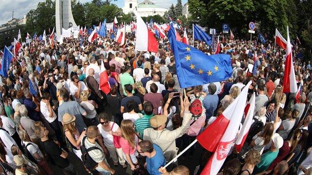 Polonya'da tartışmalı yargı reformu yasası