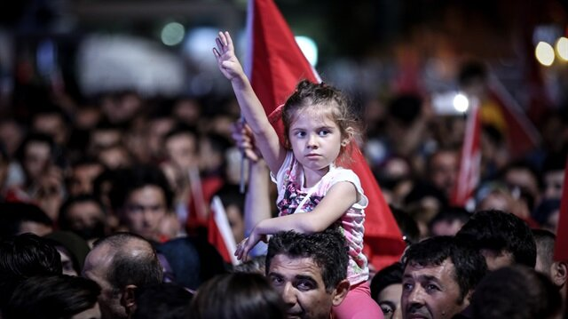 الاحتفالات تعم المدن التركية في ذكرى التصدي لمحاولة الانقلاب