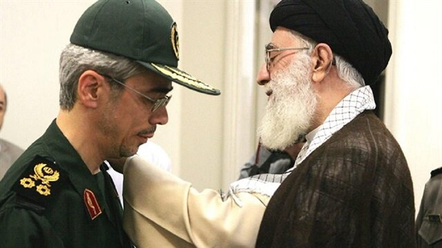 İran Dini lideri Hamaney ile İran Genelkurmay Başkanı Muhammed Bakıri