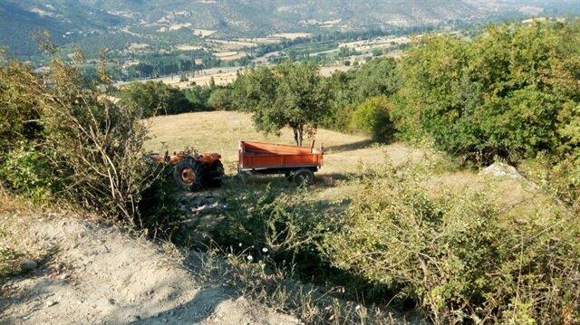 Amasya'da traktör devrildi: 2 ölü, 8 yaralı