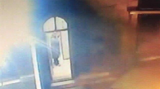 Sela okuyan imama ve camiye böyle saldırdılar!