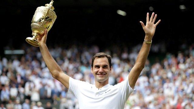 Federer, 2003, 2004, 2005, 2006, 2007, 2009 ve 2012'de kazandığı Wimbledon'ı 2017'de de zirvede tamamlayarak, bunu başaran ilk tenisçi unvanını aldı.