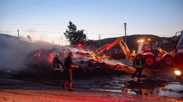 Bursa'da saman yüklü kamyon alev alev yandı