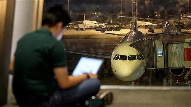 Britain tells Turkey it will lift ban on in-flight electronics