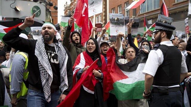 المئات يحتجون أمام سفارة إسرائيل في لندن ضد ممارساتها في