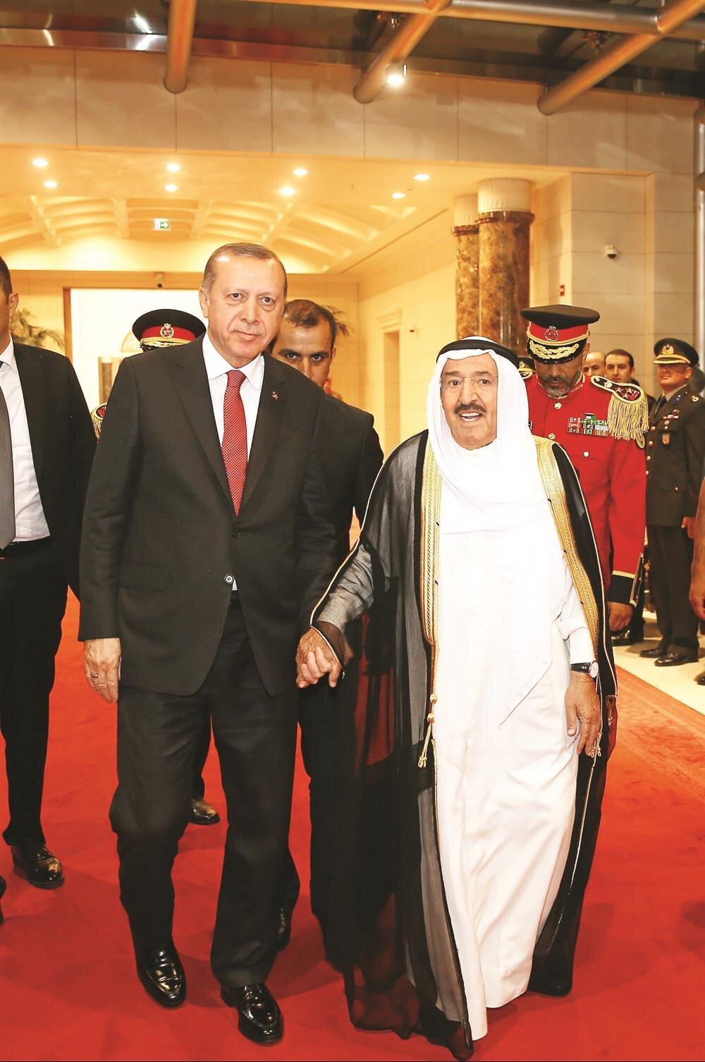 Emir havaalanında karşıladı