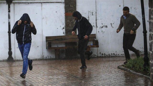 Meteorolojiden bazı illere sağanak yağış uyarısı yapıldı.