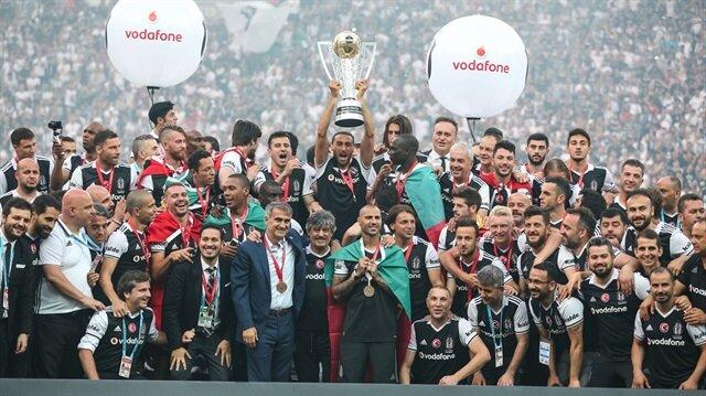 Beşiktaş, Şenol Güneş'in görev süresinde de geçen sezon başında Süper Kupa'yı alma başarısı gösteremedi.