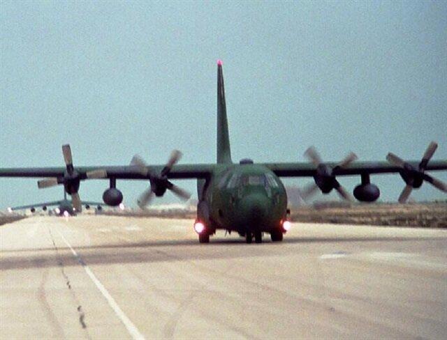 Avustralya'da ABD askeri uçağı düştü