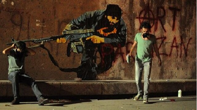 Dünya politikasına meydan okuma: Partizan