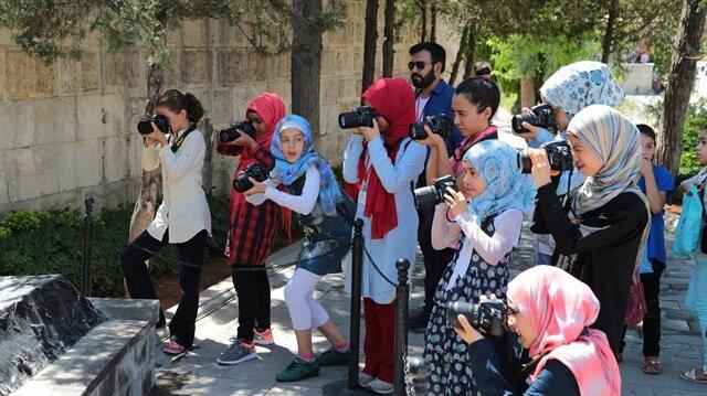 Suriyeli çocuklar Gaziantep'i fotoğrafladı