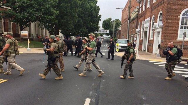 ABD'deki silahlı ırkçılar gösteri düzenledi