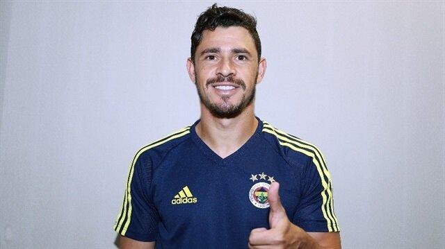Fenerbahçe'nin 4 yıllık anlaşma sağladığı Giuliano'nun forma numarası belli oldu.