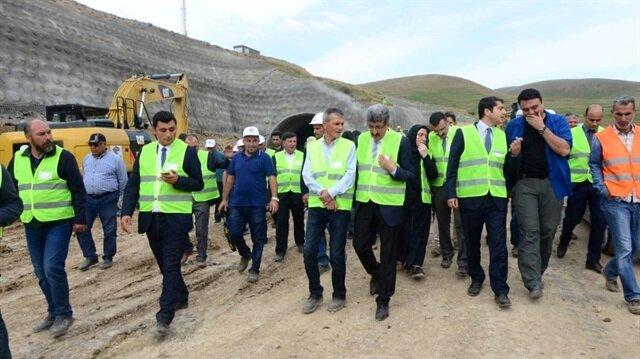 Öte yandan inşaatı yapan firma yetkilisi Ilgar Tüneli'nin, 29 Ekim 2019'da tamamlanacağını söyledi.