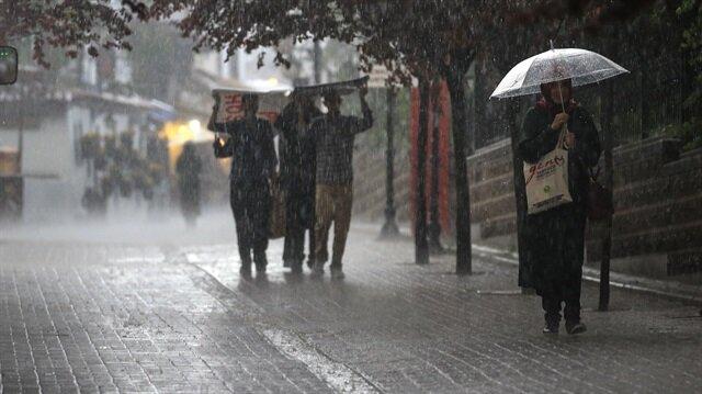 Meteoroloji, İstanbul'da yağış beklendiğini açıkladı.