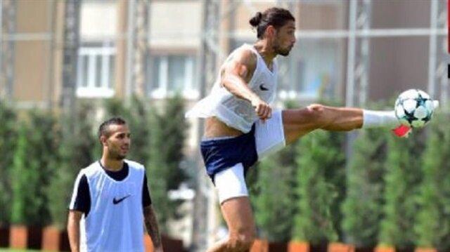 Mehmet Batdal, geçen sezon Süper Lig'de 21 maçta  5 gol atarken 1 de asist yaptı.